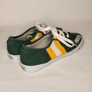 15fdb2ae THE BEADFORD EXCHANGE Greenbay Packers Sneakers